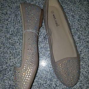 WetSeal Nude Rhinestones Embellished Loafers sz 10
